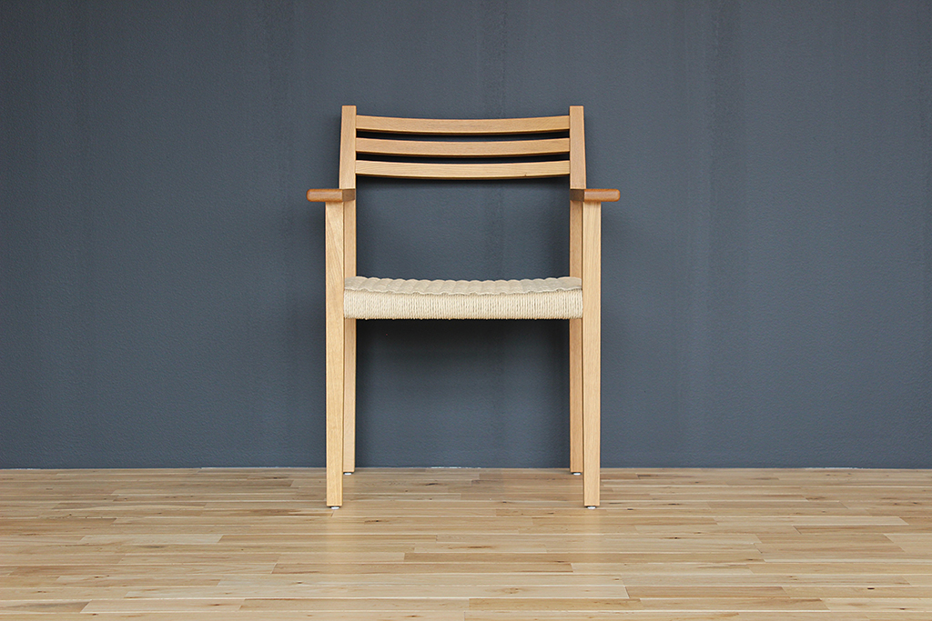equal_chair_1-1