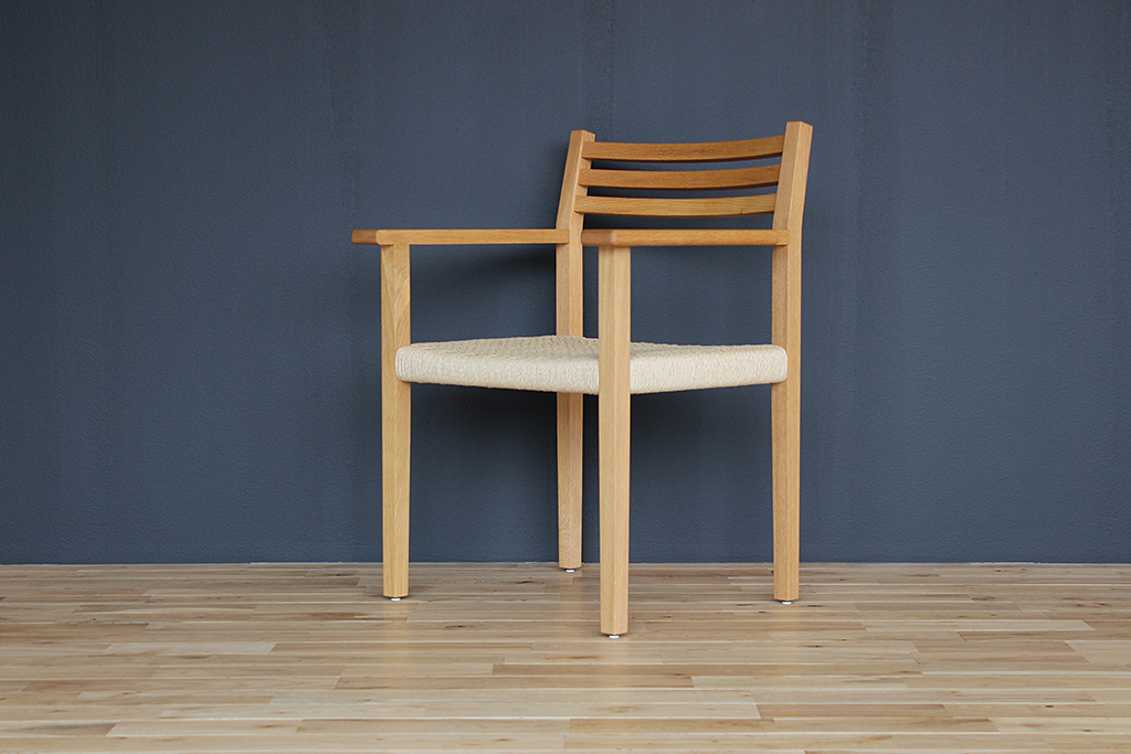 equal_chair_1-2
