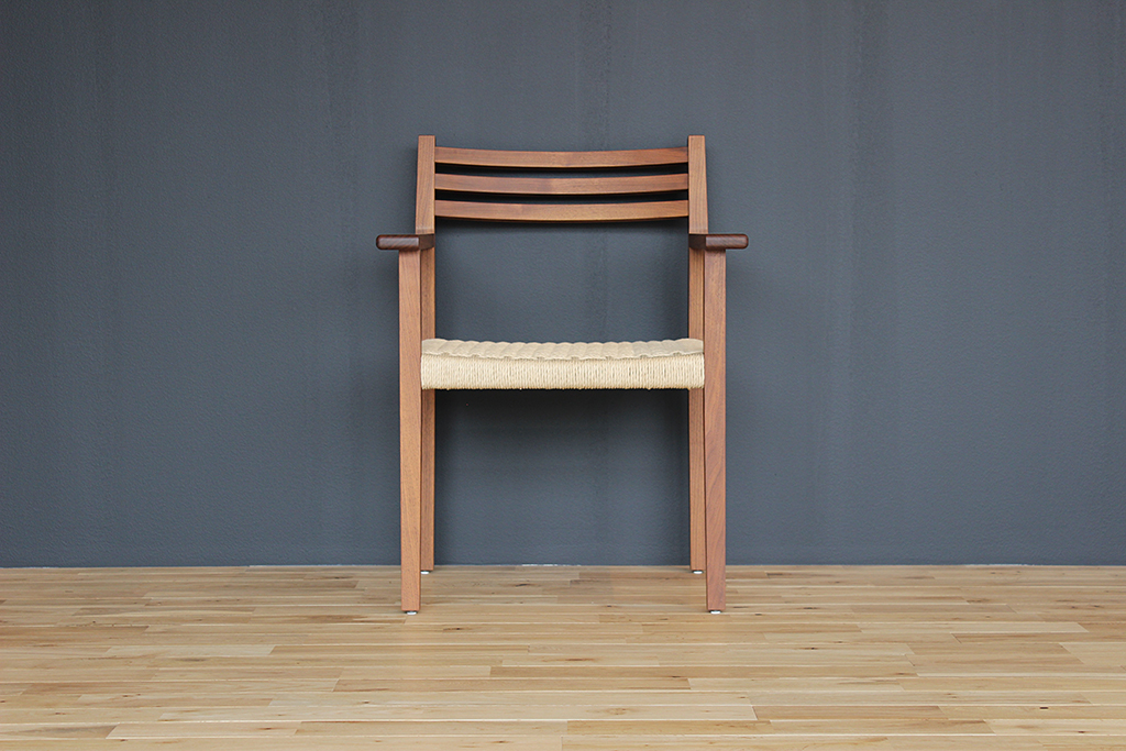 equal_chair_2-1