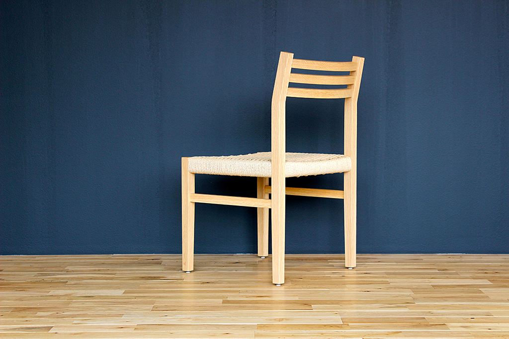 equal_chair_3-3
