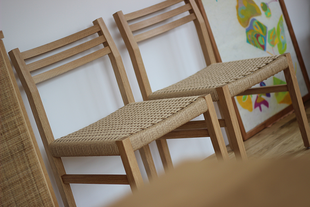 equal_chair_3-4