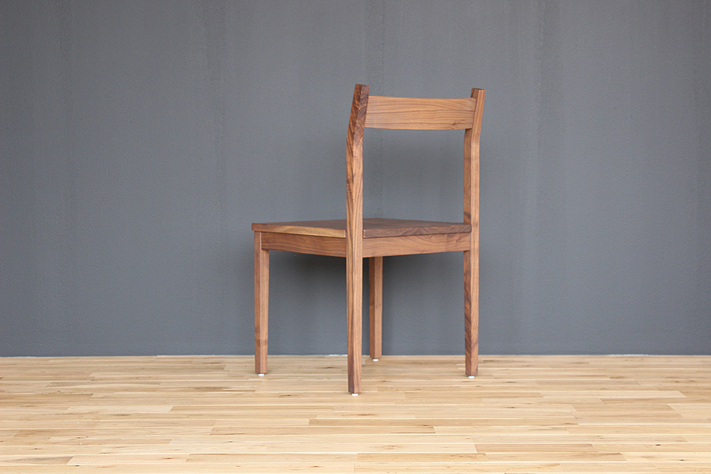 equal_chair_4-3